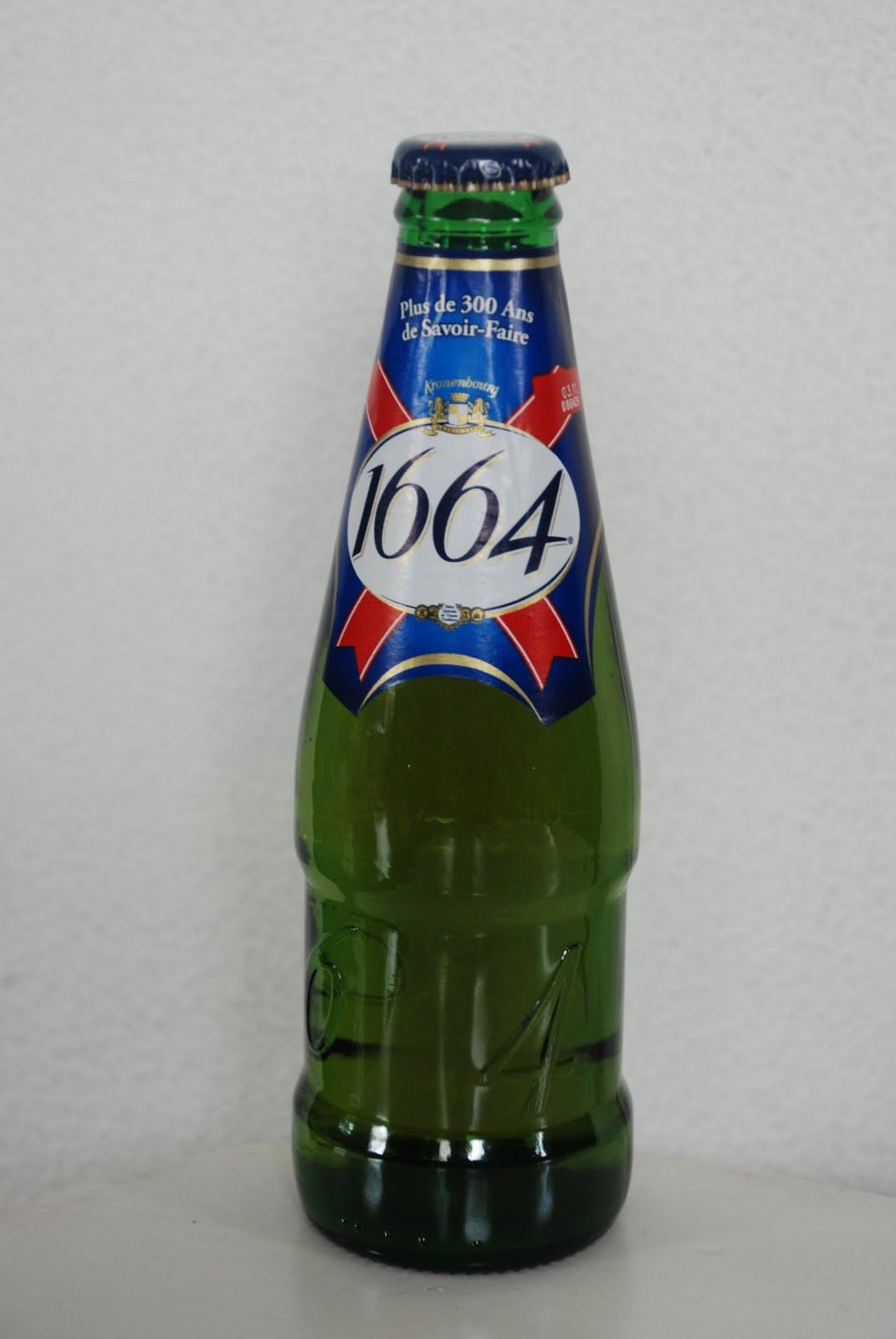 1fd4327f 1664 har en grei Farge og har en kosefaktor på 5,5%. Det er lite lukt på  dette ølet, og om smaken kan vi si at dette er et massedrikkeøl.