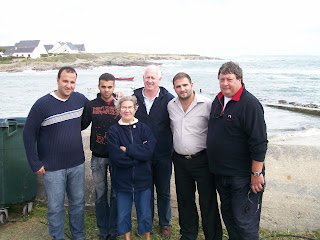Hany Samy Ismaïl (deuxième en partant de la droite) a posé ses valises en Bretagne pour un peu plus d'un mois. Il en repartira avec une nouvelle jambe et des souvenirs plein la tête.
