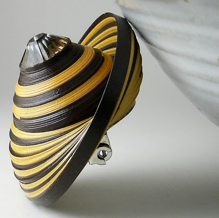 All Things Paper: Stunning Paper Jewelry - ljlh*designs