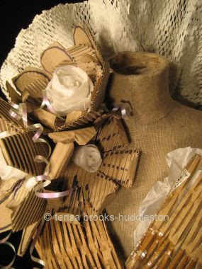 paper dress - detail