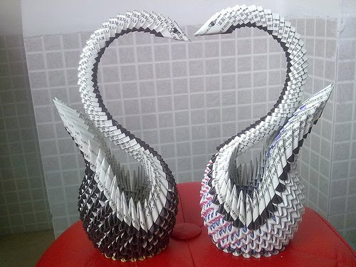 All things paper 3 d modular origami i contacted kattykong in china about sharing her photos and despite the language barrier she told me she used paper from cigarette packages to make the mightylinksfo