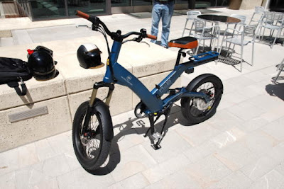 9d27970e759 Electric bike offers green urban commuting option.