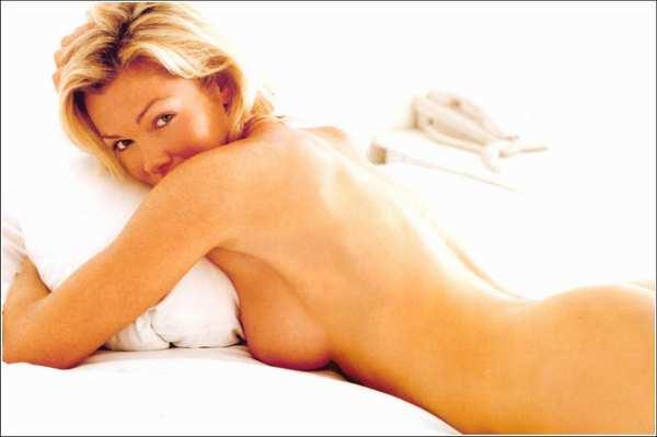 Jennie Garth Nude Topless pics
