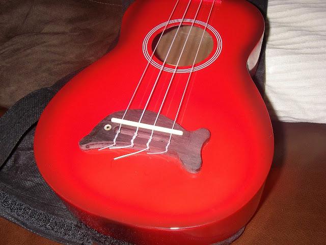 makala dolphin ukulele body