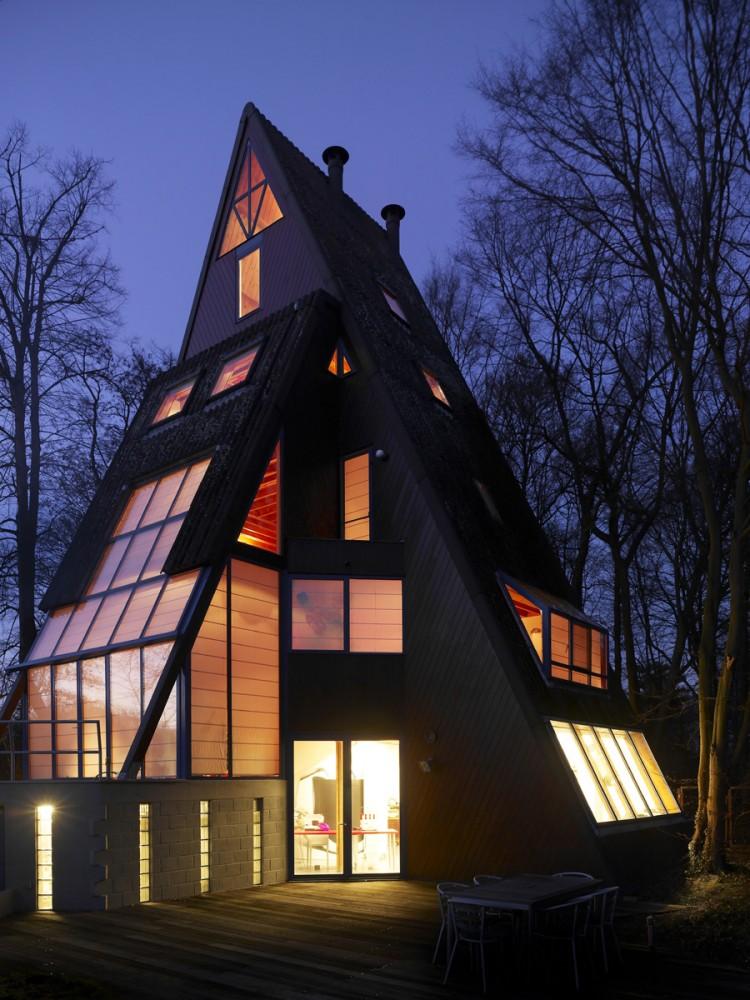 Magic Child Pyramid House