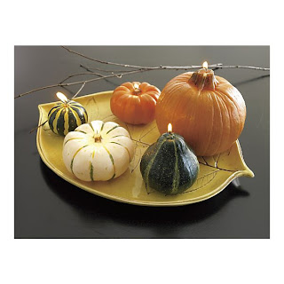 Girl With Sketchbook Thanksgiving Table Setting Ideas