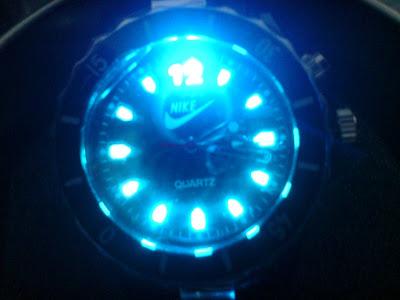 RelojesReloj Con Luz Nike Estuche De Negro Lata Pyl Y 8kXOn0Pw