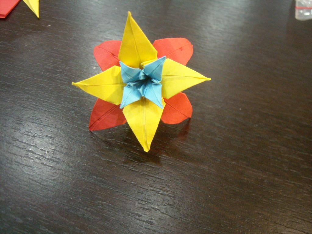 Folding Happiness: Atelier de origami patriotic, in Diverta - photo#3