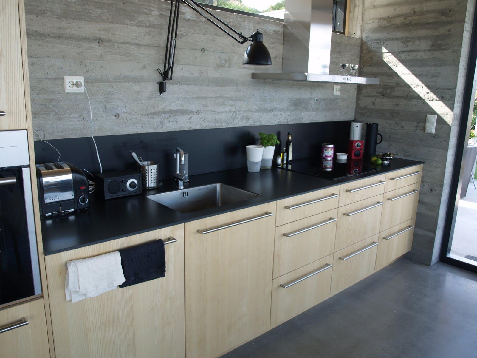 Küche Weiß Hochglanz Dunkle Arbeitsplatte | Weisse Küche Dunkler ...
