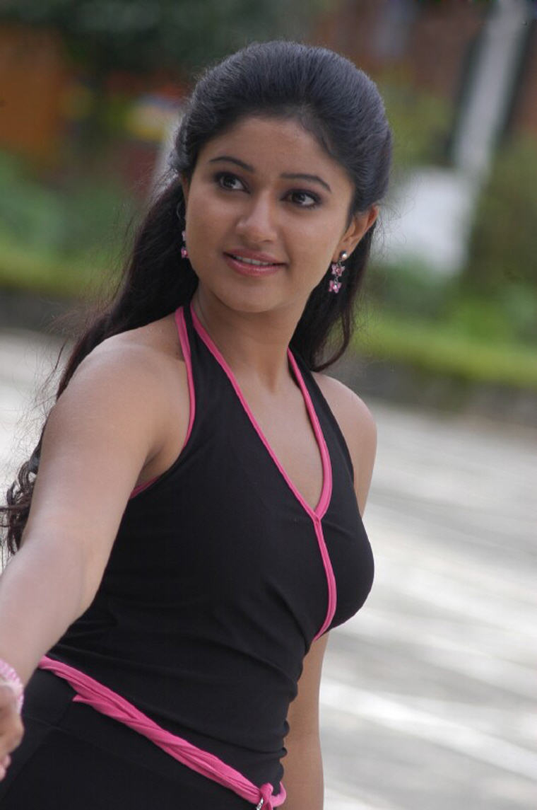 South Spicy Poonam Bajwa Hot And Sexy Photos Glittering -7744