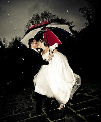 صور رومانسية للكبار فقط - صور حب جريئة جدا - تحميل صور حب Wedding-rain-kiss