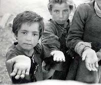 Resultado de imagen para Imagen niño en la calle