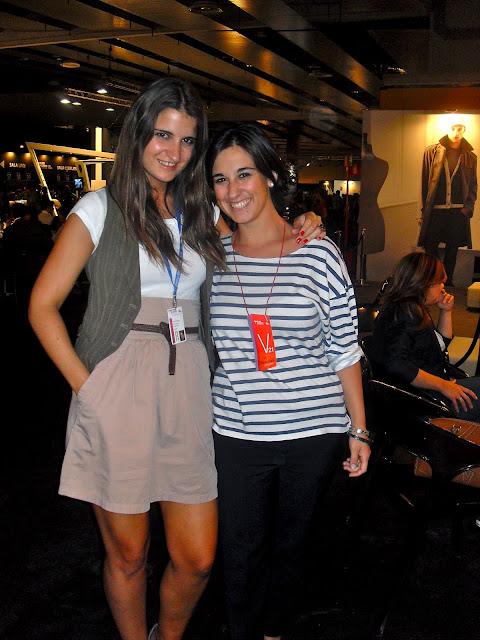 Fashion girls in the fashion week