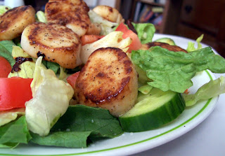 Salad with Seared Scallops