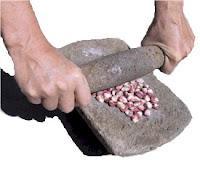 as pues podis ver que el mortero ha estado ligado a nuestra historia desde nuestros inicios y que es de gran utilidad dentro del mundo de los fogones