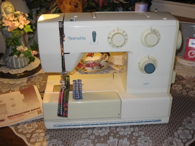 Life With Lou Bernina Bernette Sewing Machine Whispering Enchanting Bernette 730 Sewing Machine Reviews