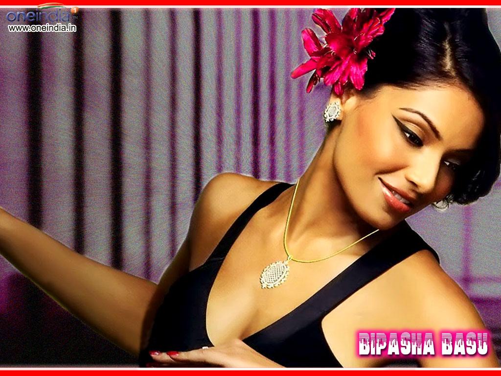 Hot India Actress Bipasha Basu Hot-5219