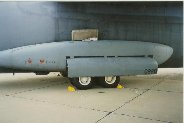 C-141 Starlifter main gear fairing