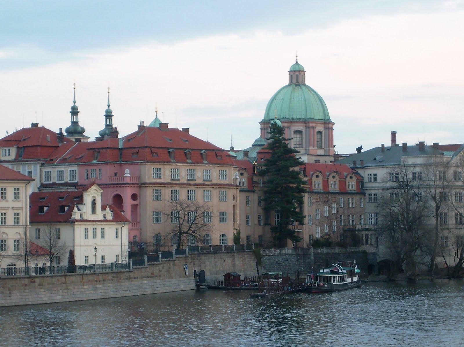 Loba Das Estepes: Loba Das Estepes: Prédios De Praga