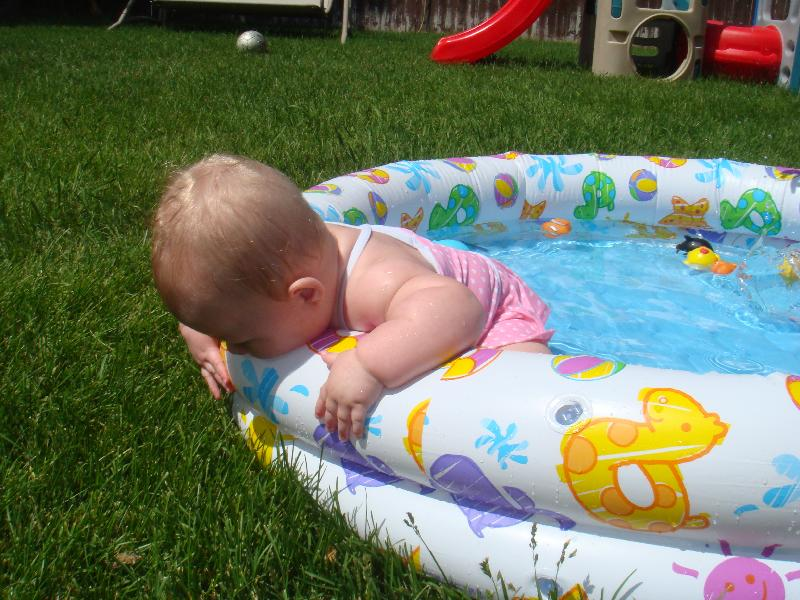[Sick+Little+Oak+and+First+pool+June+08+041.jpg]
