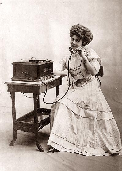 [old-telephone.jpg]