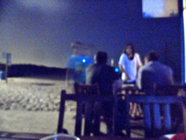 Recital, poesía de Roser Amills en la playa del Prat