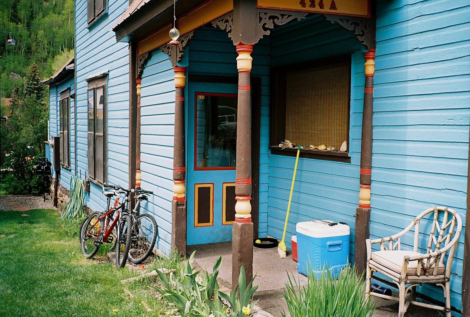 [porch+with+bikes+telluride+6-11-07+3.jpg]