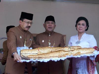 Roti Buaya Syarat Pernikahan Adat Betawi Kenali Negrimu