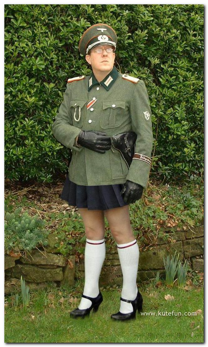 [Funny+Army+Costumes6.jpg]