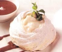 Receta de Merengues Rellenas de Crema de Chirimoyas