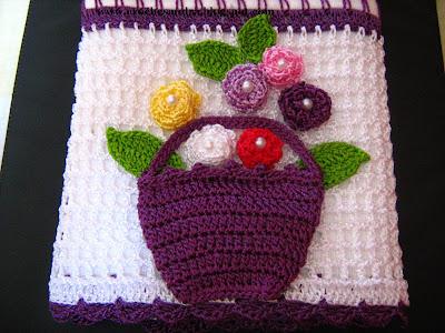 Mutfak havlusu kenarı (sepet içinde güller)