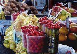 Frutas frescas vendidas na feira de São joaquim