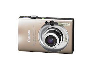 Canon Powershot SD1100 IS in golden tone color