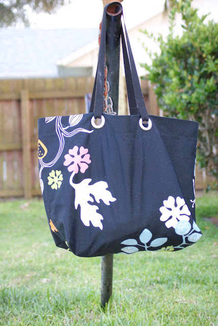 A Reader's Tote and Oversized Beach Tote Tutorial Addendum