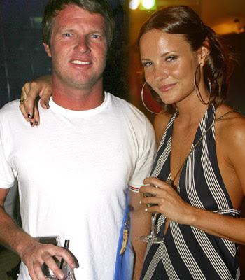 Taj Burrow con su nueva novia,  Sara Bray