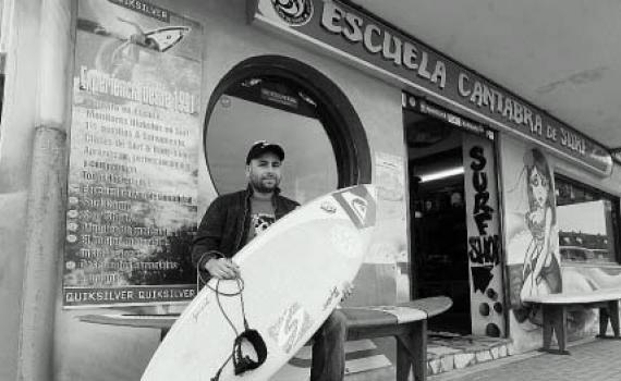 Rescate de un surfista en la Playa de Somo, David garcía Ara