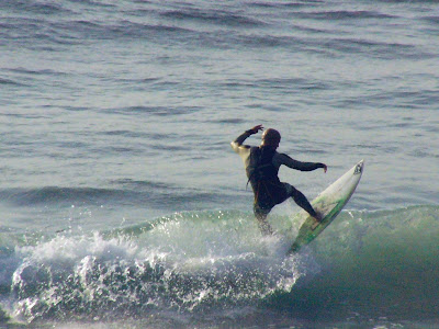 Sesión de surf del 2 de Junio del 2007 - Sopelana, medio metro con un solcito muy agradable