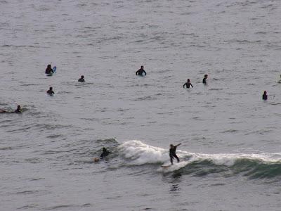 Sesión de surf del 4 de Junio del 2007 - Sopelana. Olas de menos de medio metro cerronas