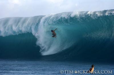Fotos de Tim Mackenna en Teahupoo