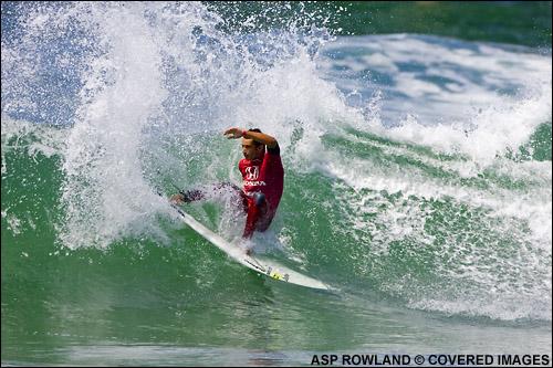 Gonzalez consiguió llegar a octavos de final con un surfing muy completo