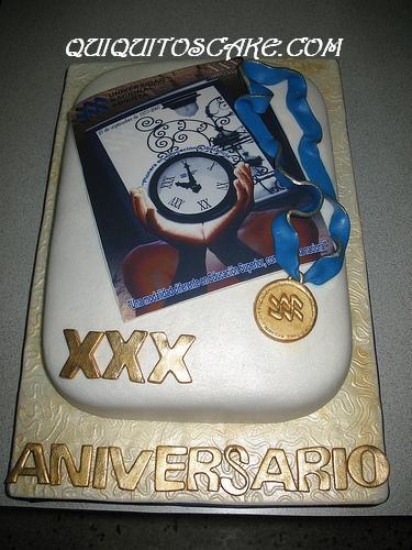 Torta aniversario UNA