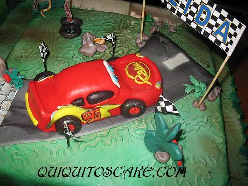 Torta modelada de cars