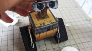 Simple Wall-E Papercraft