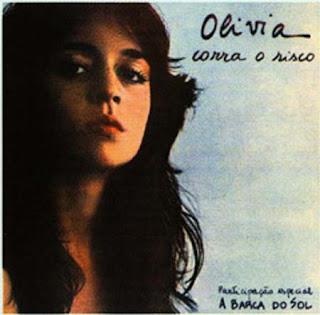 Olivia Byington Corra O Risco