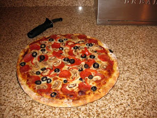 "Make ""Real"" Pizza at Home, Part Three - Making and Baking / www.delightfulrepast.com"
