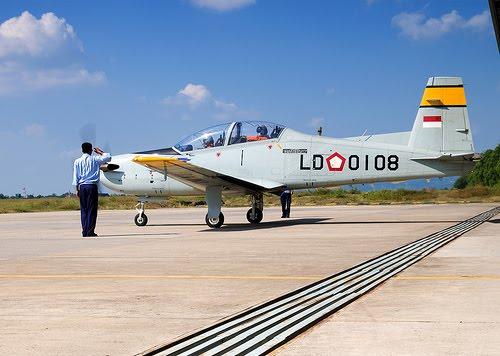 KT-1B Wong Bee: Pesawat Latih Dasar dengan Cita Rasa Tempur Taktis