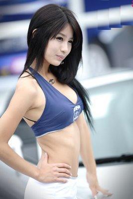 Cute Korean Wallpaper Hd Car Show Girl Operating A Successful Automotive Dealership