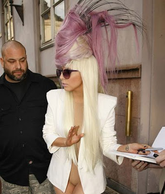 lady-gaga-purple-hair-hat.0.0.0x0.400x46