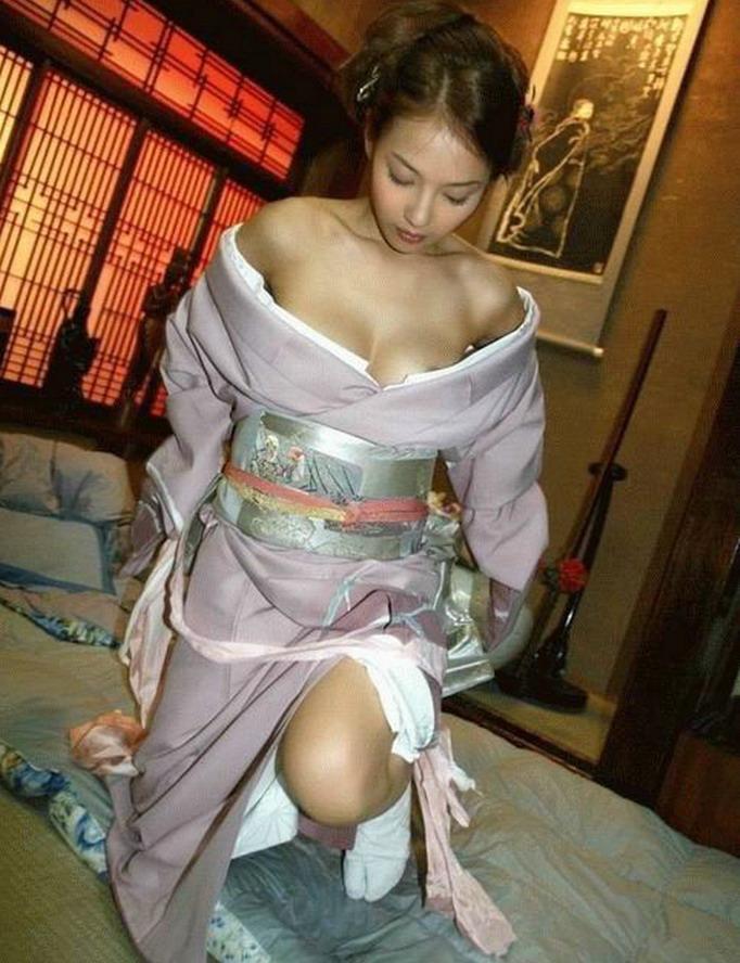 sexy nude yukata girl