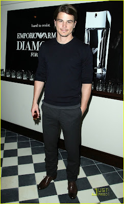 9794cdc44dbc Here is an image of Josh Hartnett at the Emporio Armani Diamonds for Men  luncheon. If you have been out of the loop he is the face of the new  fragrance.